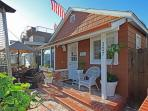 Adorable Beach Cottage! Front Patio & Courtyard! (68265)