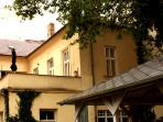 Comfortable living in baroque gem of Prague with terrace and garden