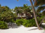 Casa de las Palmas is right on Tulum beach, close to restaurants, spas and shops.