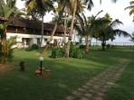 The sprawling lawn overlooking the backwaters....