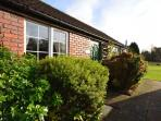 LHAN8 Bungalow situated in Wroxham