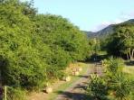 Vue sur les montagnes terrasse COULEUR PASSION de la Villa Chantevent