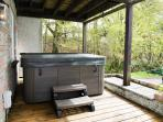 Private Hot Tub - available march - end October.  Other dates upon request.