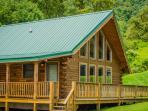 Luxurious Honeymoon Cabin - Honeymoon Queen