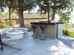 Fire pit, barbeque, Bar.