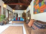 VILLA PUIT, LIGHT AND AIRY FULLY AIR CONDITIONED 3 BEDROOM VILLA WITH POOL