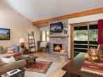 622 Tamarack - living room/dining room