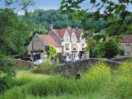 Bridge over the River Frome and the Inn at Freshford just the otherside