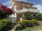 Cabarita Lookout Luxurious Staffed Villa-Jamaica