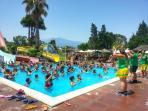 piscina del toboggan sulla spiaggia