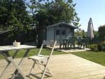 deux terrasses vous accueillent pour vous détendre
