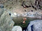 rivière a 5 mn de la villa