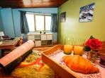 Dormitorio 1 con vistas a veleta, pistas, pradollano y granada.