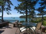 Sea Cliff~ Romantic, Private Retreat Perched Above the Sea w/ Sunroom & Deck