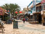 Dahab bay and its multitude of bazaars
