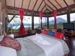 Birds View Room- stunning views of the volcano