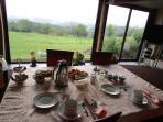 summer breakfast room