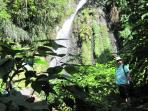 Hidden waterfalls & rain-forests close by.