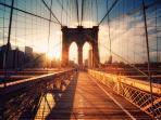 Brooklyn Bridge links Manhattan and Brooklyn, a vibrant neighborhood!