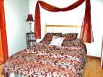 Carriage house bedroom-queen bed