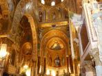 Cappella Palatina, all'interno di Palazzo Reale, 200mt. UNESCO  2015 Arab-Norman Route.