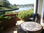 Waterfront Condo on Lake Norman. Nearby to Charlotte, upscale shopping, Nascar.