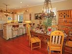 Casual elegance in the dining room