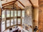 Stunning mountain lodge with private hot tub & SHARC access!