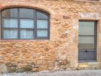 Can Caranta_Aurora House_Street Façade