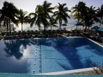 Cabana Club- Newly Renovated Pool, Private Beach - Membership Included in Rental