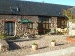 Swift Cottage courtyard