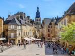 The beautiful town of Sarlat is just 20 minutes from the house.