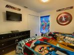 Avenger Room with two twin beds and PlayStation 4