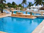 Puerto Aventuras OMNI Resort, Spend the Day for a Small Fee... a short 10 minute walk away.