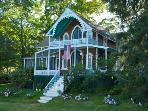 Large 4 Bedroom Home, Beautiful Porches