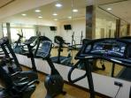 Indoor gym with all facilities required to stay stay fit on your holiday in Capanes del Golf