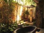 The Bathgarden of the Delight Villa