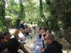 Dejeuner à la cabane des chefs.