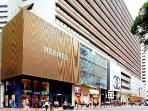 The biggest shopping center- Harbour City