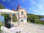 H(12): terrace view