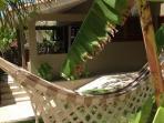 Pipamar:bungalow jardim parking privados e securisados no centro de Pipa.Quarto,varanda,cocinha.