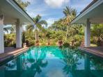 Koh Samui sleeps 8 with very large pool and sauna