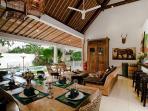 Massilia II - 3 Bedroom Villa - Open Plan Living & Dining Area