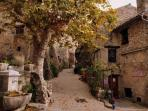 Tourtour - Recognized as one of the most beautifull towns of France - 4 km