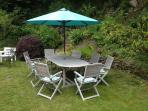 Secluded alfresco dining - weather permitting!