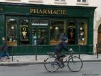 1 block away, rue des francs-bourgeois