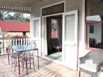 Sunny covered verandah, great for evening BBQs