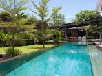 Villa Issi - Garden and pool