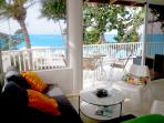 Condo/Appartment with 37' (12 meter) balcony on Windy Kitebeach with full views from every room.