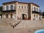 Architect designed to maximise on 180 sea views